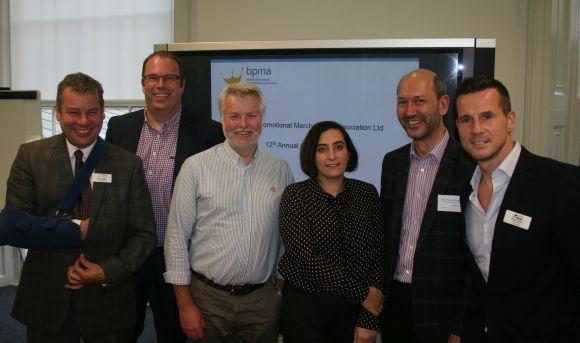 V.l.: BPMA-Präsident Neal Beagles, die vier neuen Vorstandsmitglieder Brian Hayward, Andy Knight, Melissa Chevin und Jean-Francois Chodecki sowie der BPMA-Vorsitzende Matt Franks.