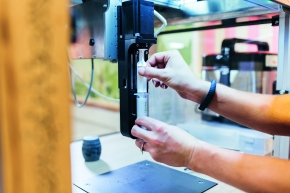 Pro Print wird eine Kartusche verwendet. Katjes Fassin arbeitet an einem Recycling-Modus, um den einmaligen Einsatz von Kunststoffteilen umweltfreundlicher zu gestalten.