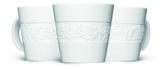 Die 360°-Gravur ist aufwendiger als eine normale Logo-Gravur und wird von erfahrenen Porzellangraveuren mit viel Geschick umgesetzt.