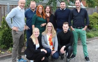 Das komplette Team Deutschland von Toppoint: (hintere Reihe v.l.) Ralf Wahner, André Rothenburg, Verena Terhalle, Vanessa Schlimbach, Kai Sahm und Jascha Stroeve; (vorne v.l.) Inga Naber, Julia de Jong, Eugen Jurk.