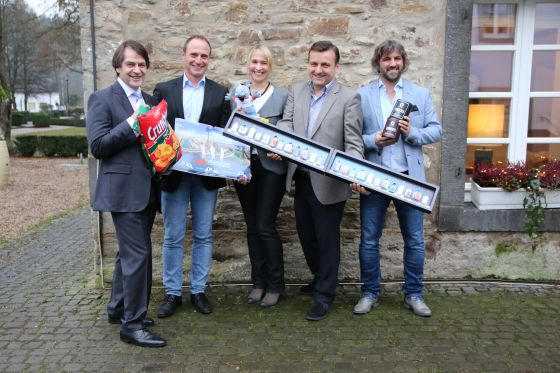 PGA Juroren mit Gewinnerprodukten - Promotional Gift Award 2017: And the winners are …