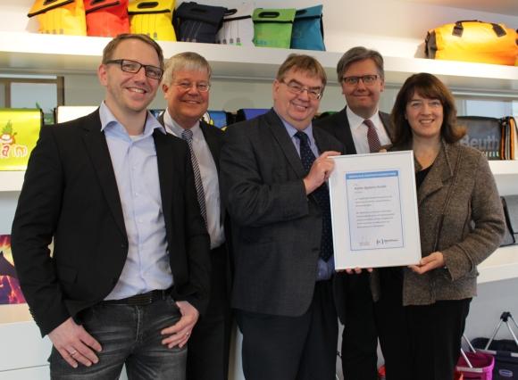 halfar werkhaus 580x426 - Halfar: 15 Jahre Kooperation mit Werkhaus Bielefeld