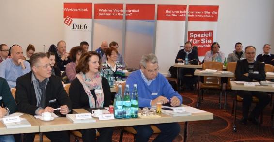 Rund 40 Teilnehmer waren der Einladung zur vierten DIE6-Akademie nach Kassel gefolgt.
