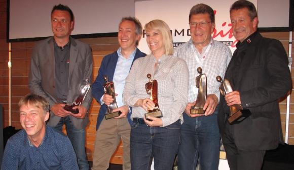Die Gewinner des PromoFritz-Award 2015 (v.l.): Robert Scheidegger (E7 Promotion), Jörg Sons (Schärfer Werben), Tobias Köckert (Mahlwerck Porzellan), Dominique Magnin (Lacoray® by comTeam), Herbert Heuscher (Hervorragend), Beat Nolze (cadolino® by comTeam). Nicht im Bild: Oliver Kuntze (Meterex Karl Kuntze).
