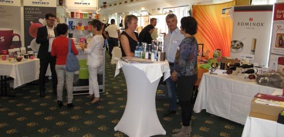 43 VÖW-Lieferantenpartner zeigten im Schloss Hotel Pichlarn ihre Sortimente.