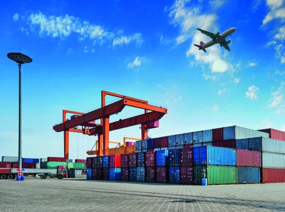Das Produkt ist nur der Beweisführer: Eine konsequente Nachhaltigkeitsstrategie umfasst alle Ressourcen und Prozesse, darunter auch die Logistikkette und die Energiebilanz.