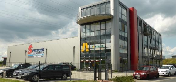 Sitz der deutschen Niederlassung von Uneek Clothing im ostfriesischen Leer.