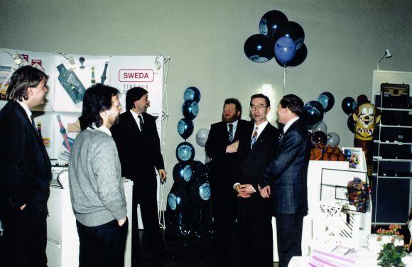 Eine der ersten Werbeartikelshows im Osten: Zusammen mit 20 Ausstellern organisierte Kunze Werbung aus Schwarzheide 1991 im Kulturhaus der Bergarbeiter in Cottbus eine Hausmesse.