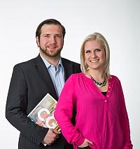 Alexander Szirota, Sales & Development Manager bei Boomerang, mit Neuzugang Stefanie Mehling.