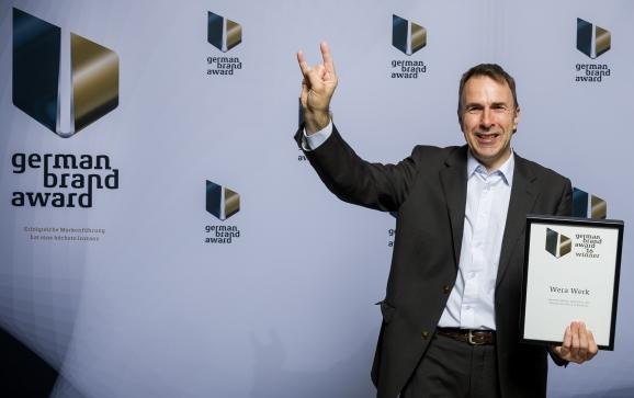 Detlef Seyfarth, Marketingleiter von Wera, bei der Preisverleihung in Berlin.