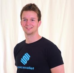 Space Wallet-Geschäftsführer René Seppeur entwickelte den minimalistischen Geldbeutel gemeinsam mit einem Studienkollegen.