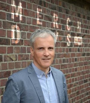 Stefan Roller-Aßfalg, Geschäftsführer der Aka Merch & Textil GmbH und langjähriger Chefredakteur der Fachzeitschrift TVP Textilveredelung & Promotion.