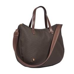 Die Taschenkollektion Bottle Bag vereint umweltschonende Produktion und charmante Formensprache.