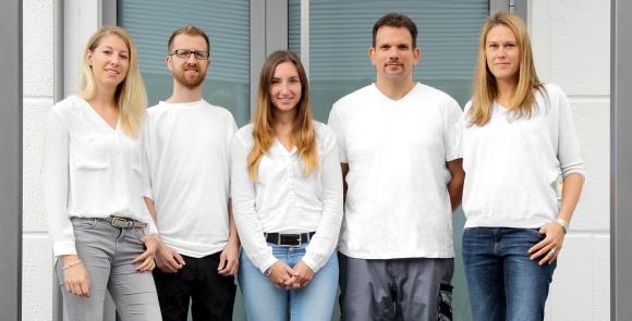 Die neuen Mitarbeiter von cyber-Wear (v.l.): Lisa Spohr, Franck Hardy, Heike Edelmann, Manuel Rosario und Andrea Dittmar.