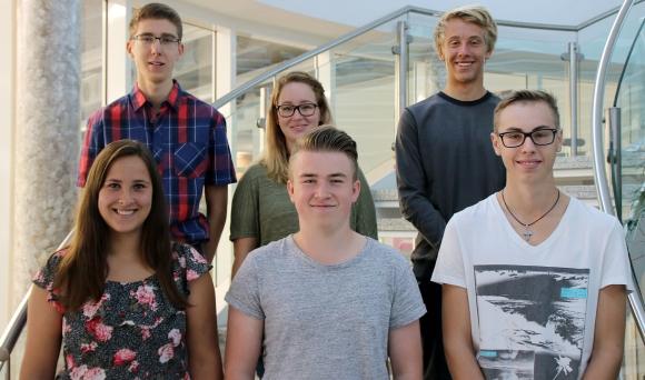 Vordere Reihe (v.l.): Jessica Ehrensberger, Fabio Übler und Daniel Meck; hintere Reihe (v.l.): Tobias Schübel, Naomi Morris und Jamie Kurz.