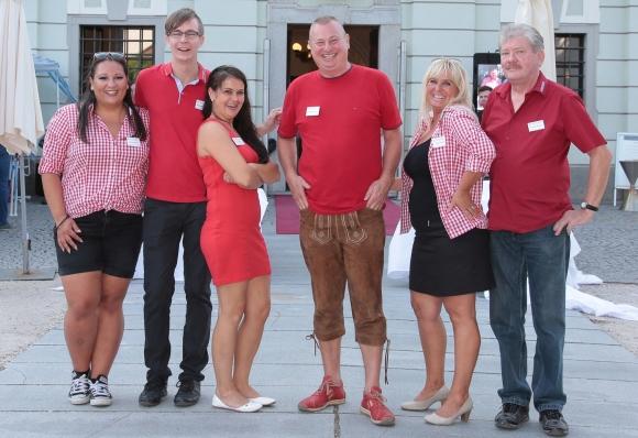 Zufriedene Gesichter bei Kneiko-Geschäftsführer Wolfgang Kohout (m) und seinem Team.