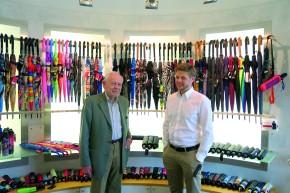 Treffen der Generationen: der ehemalige Geschäftsführer Hermann Würflingsdobler mit Enkel Martin Würflingsdobler, Vertriebsleiter doppler individual, im modernen Showroom.