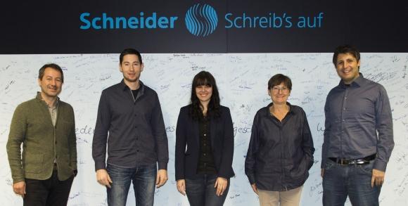 Schneider übernimmt Hochschulabsolventen
