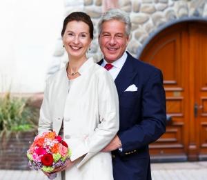 Mansard Hochzeit 300x261 - mansard werbemittel: Erweiterung der Geschäftsführung und Hochzeit