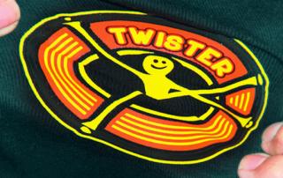 Twister 320x202 - Siebdrucktransfer auf Stretch und Softshell