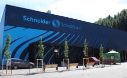 Schneider erweitert Kapazitäten