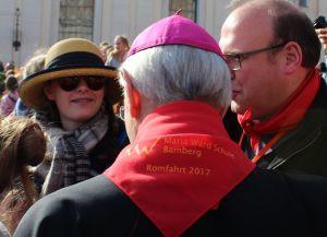 WA iM MariaWard 2 - in Medias: Tücher für Papstbesuch