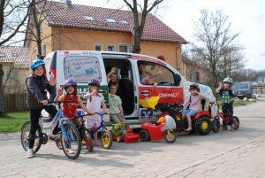 Jung: Spende an Albert-Schweitzer-Kinderdorf