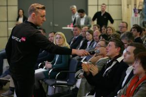 1E5Q1727 - HAPTICA® live '18: Marketingprofis geben Tipps