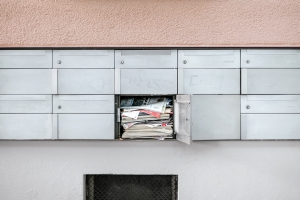 Briefkasten Unsplash Samuel Zeller - Caya: Studie zum Werbepost-Aufkommen