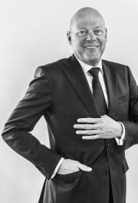 Hans Poulis - IGC International: Poulis erwirbt Mehrheit