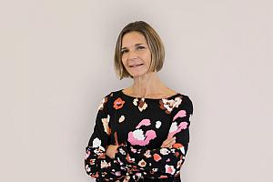 Emma Mitchell TROIKA web - Troika: Verstärkung