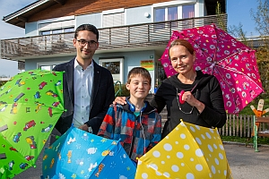 doppler news 381 - doppler: Schirmspende für Kinderhilfseinrichtungen