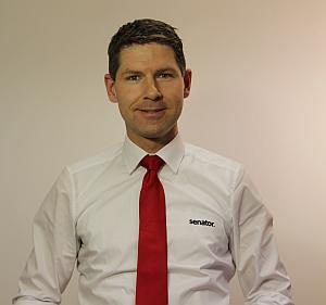 Daniel Jeschonowski Senator - Jeschonowski kauft Senator