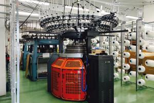 arpe2 300x202 - Arpe investiert in Strickmaschine